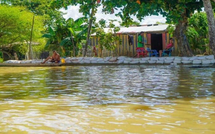 Guaranda resiste a la fuerza del Cauca con la vieja estrategia de los costales - Noticias de Colombia