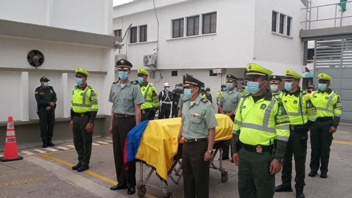 «Es un ejemplo que nos tiene que marcar a todos», dice el comandante de la Policía en Sucre, sobre el fallecido mayor Flórez - Noticias de Colombia