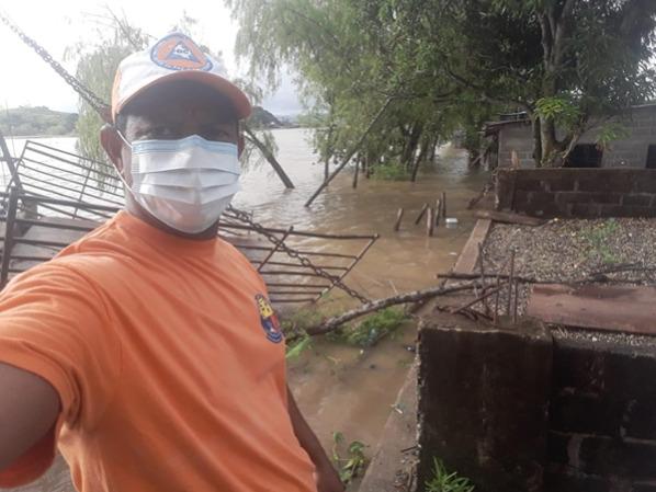 La Defensa Civil de Guaranda había advertido hace dos meses del inminente desbordamiento del río - Noticias de Colombia