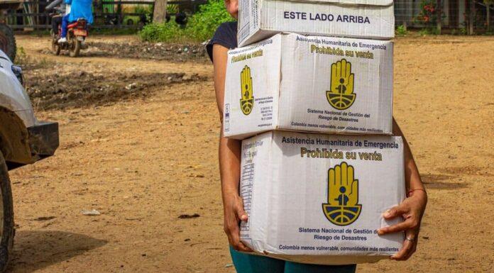Un lote de chocolate vencido llegó a manos de damnificados en Guaranda - Noticias de Colombia